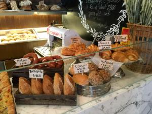 Brothaus Bakery Bistro_bread 1