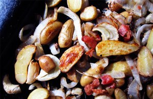 Roasted Fingerling Potatoes with Onion and Fennel