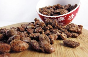 Cinnamon Roasted Almonds | www.EatLaughPurr.com