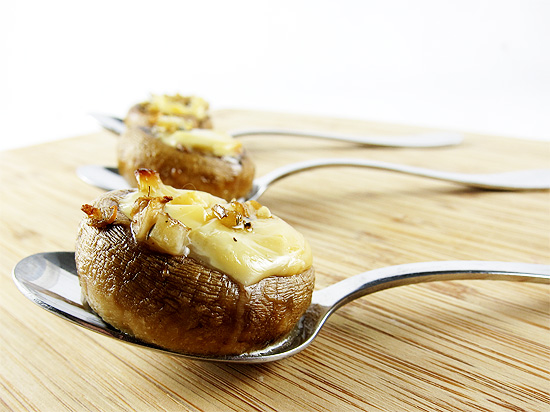 mushrooms stuffed with smoked gouda