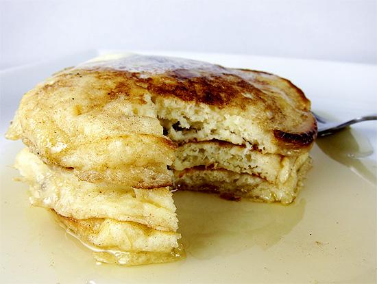 Light and Fluffy Buttermilk Pancakes | www/EatLaughPurr.com