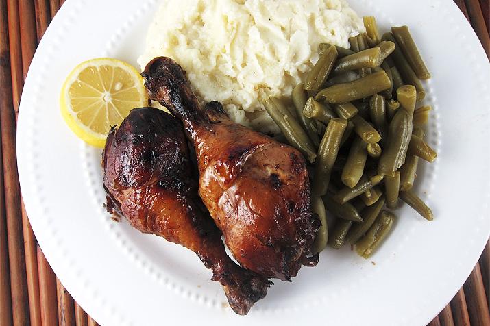 Crockpot Chicken BBQ | www.EatLaughPurr.com