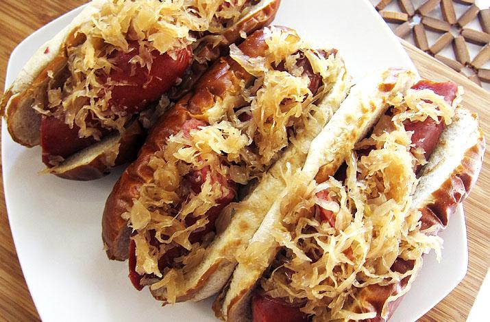 beer braised sausage and kraut   www.EatLaughPurr.com