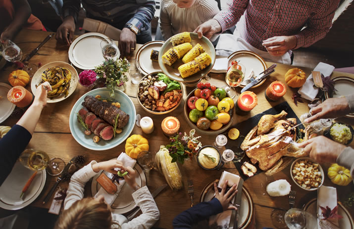 8 Tips to a Stress-Free Thanksgiving