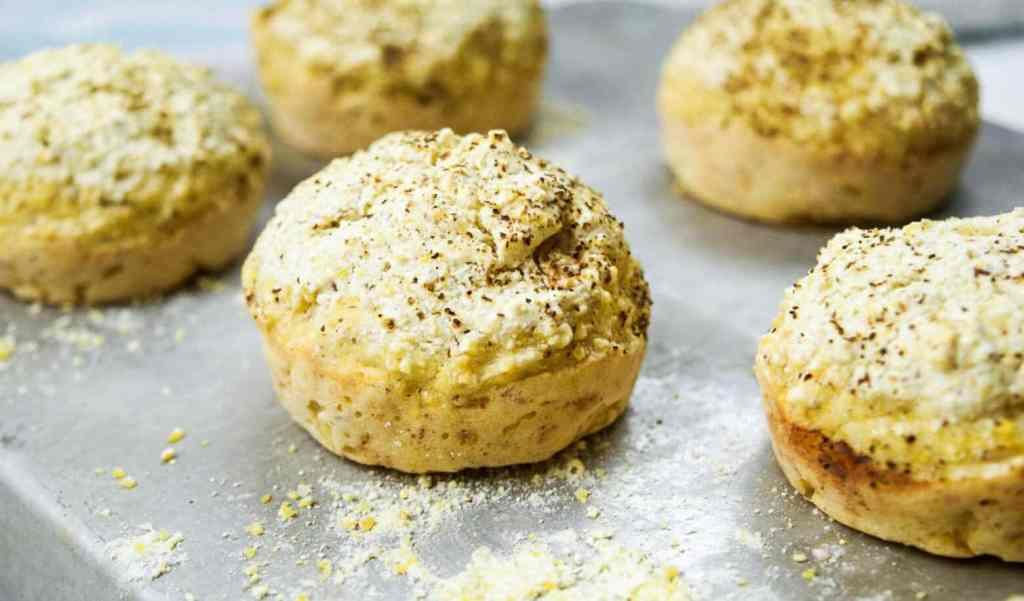 savory grits muffins