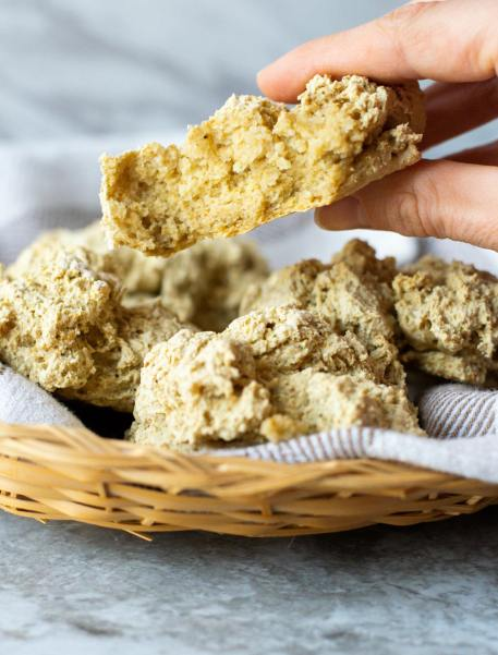 gluten-free-2-ingredient-biscuit-min