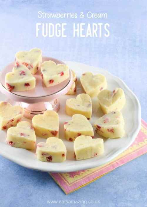 Super easy 3 ingredient Strawberries and Cream White Chocolate Fudge Hearts recipe - perfect easy homemade Valentines gift idea - Eats Amazing UK