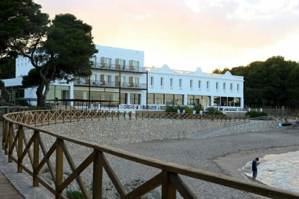 Hostal Spa Empuries Pirinexus Cycle Route Accommodation