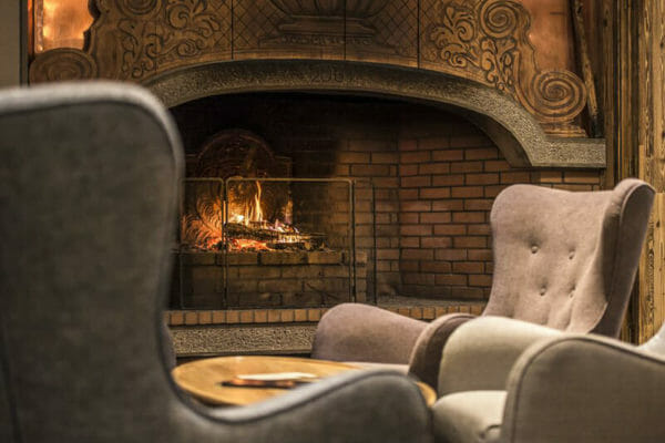 Hotel Pic Blanc Alpe Du Huez Fireplace-2