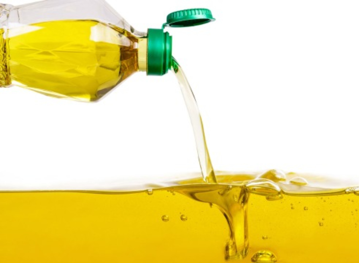 Cooking With This Oil Lowers Heart Disease Risk and Cholesterol, New Study Says | Eat This Not That