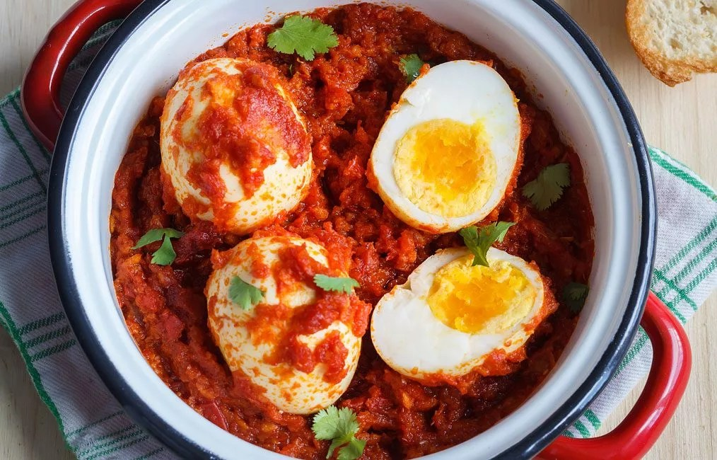Hard Boiled Eggs In Tomato Sauce Recipe Eatwell101