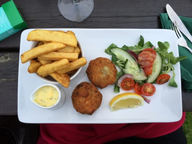 Smoked salmon and mint pea fish cakes at the Polgooth Inn, Cornwall