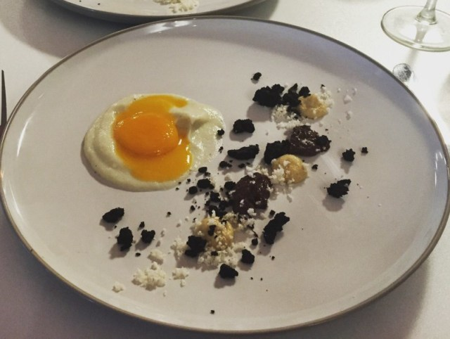 Black pudding, egg and cauliflower puree at En Place pop-up