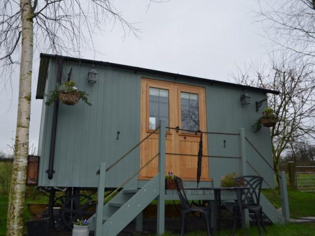 Lake Farm shepherds hut