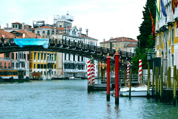 Venice Acad Bridge