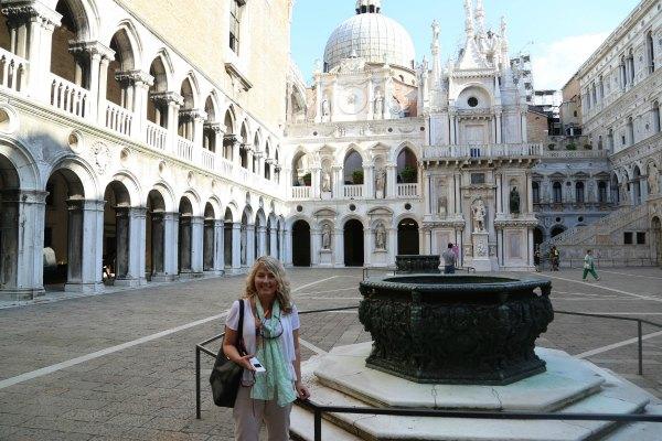 Venice inside Doge1