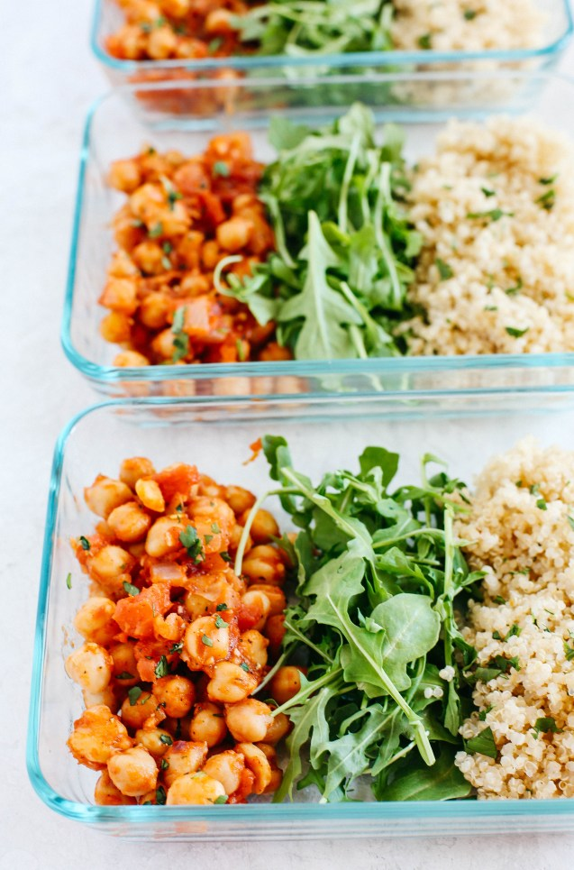 Spicy Chickpea and Quinoa Bowls perfect for meal prep! #vegan #glutenfree #mealprep