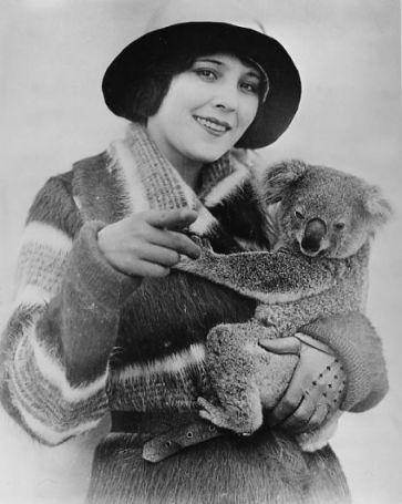 Raquel Torres & a koala