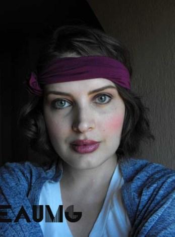 Get a 1920's makeup look