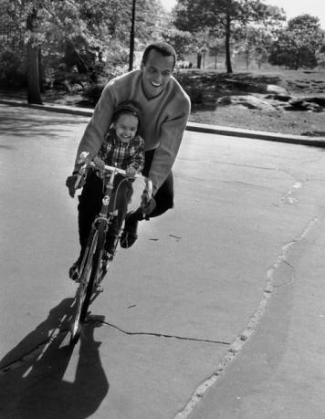 Harry Belafonte and daughter