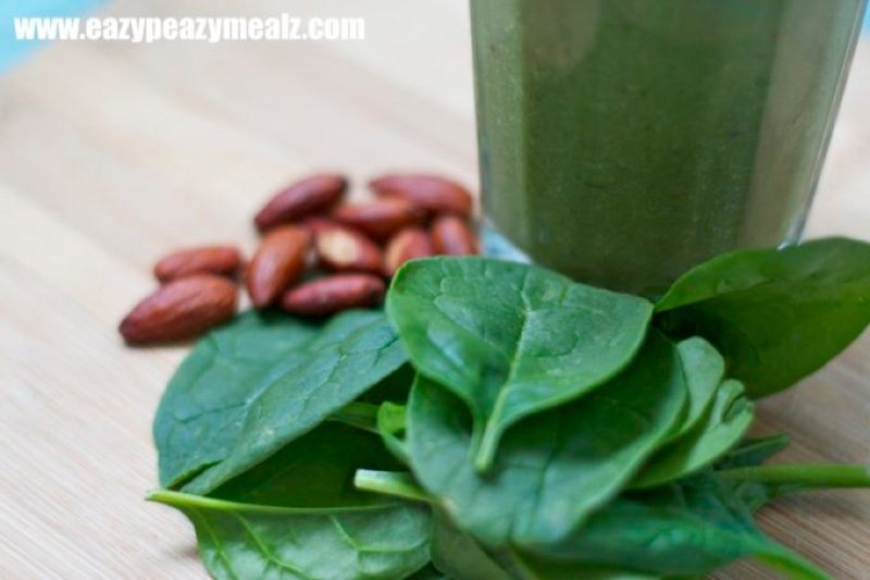 spinach almond smoothie