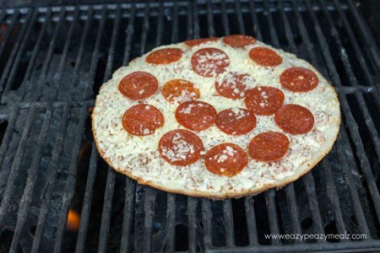 Freschetta pizza grilled 3