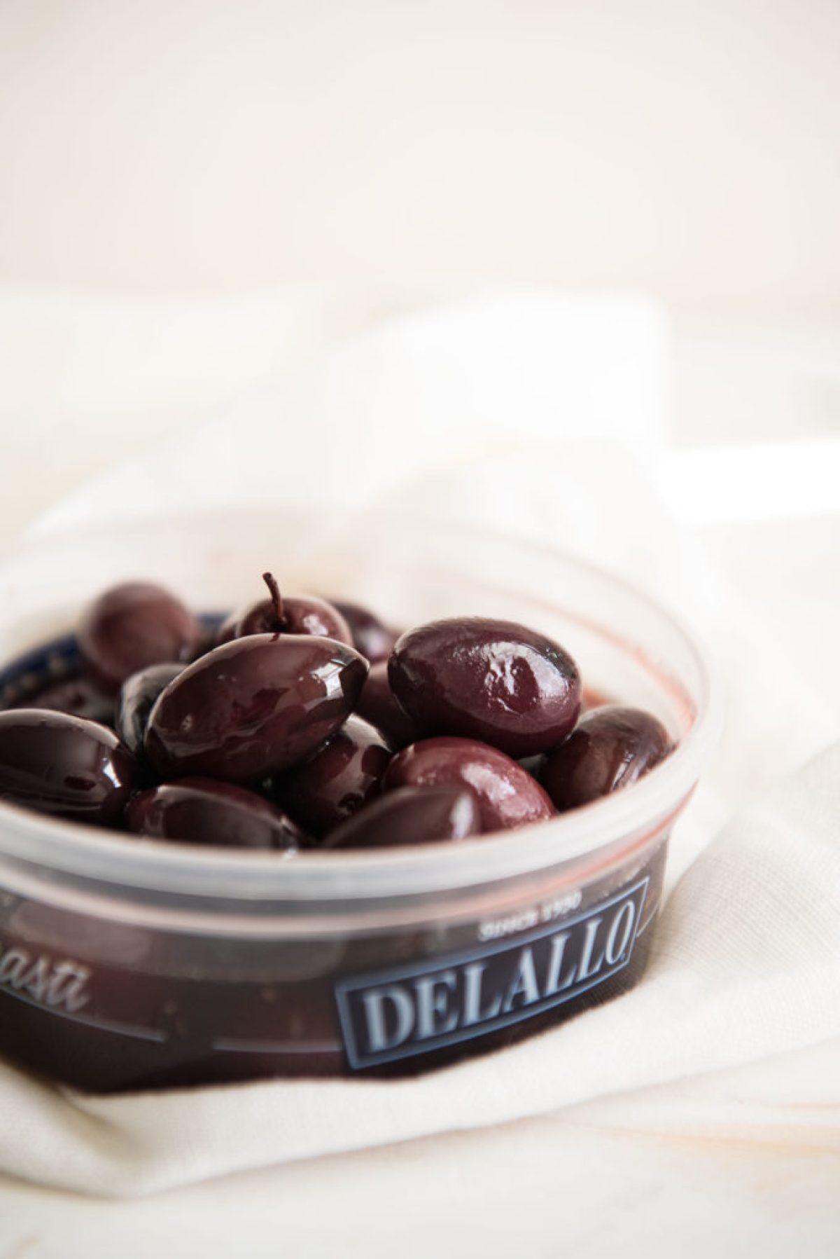 Delallo kalamata olives, greek salad