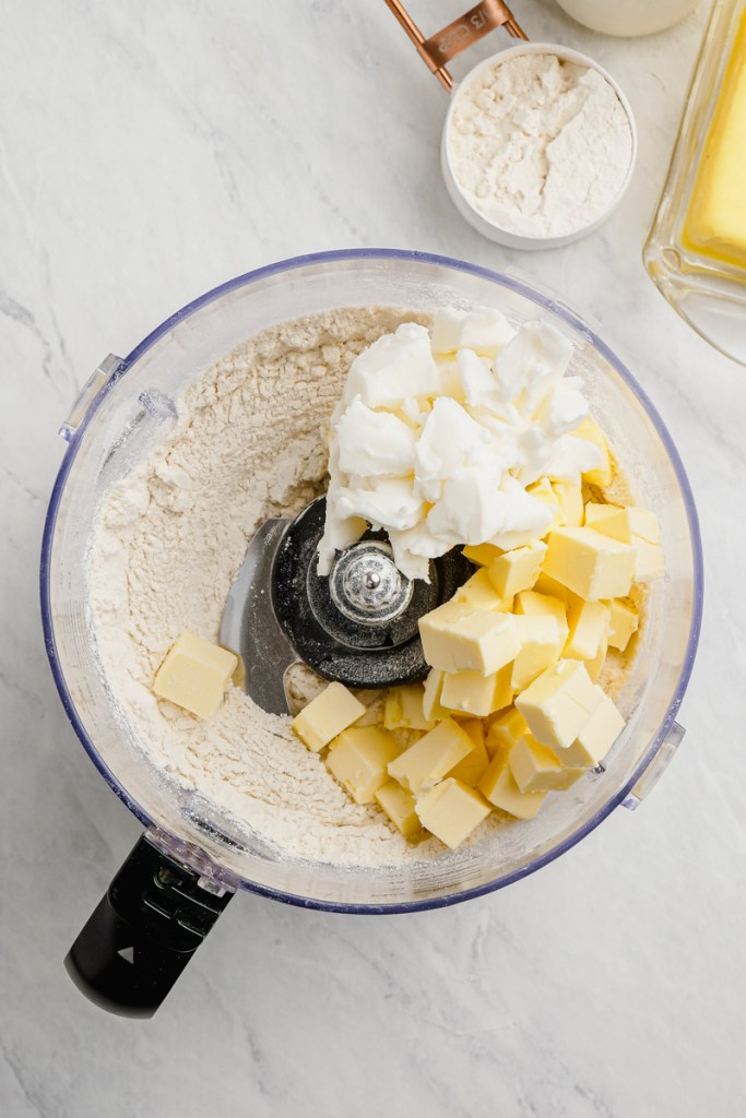 Food processor with ingredients for biscuits