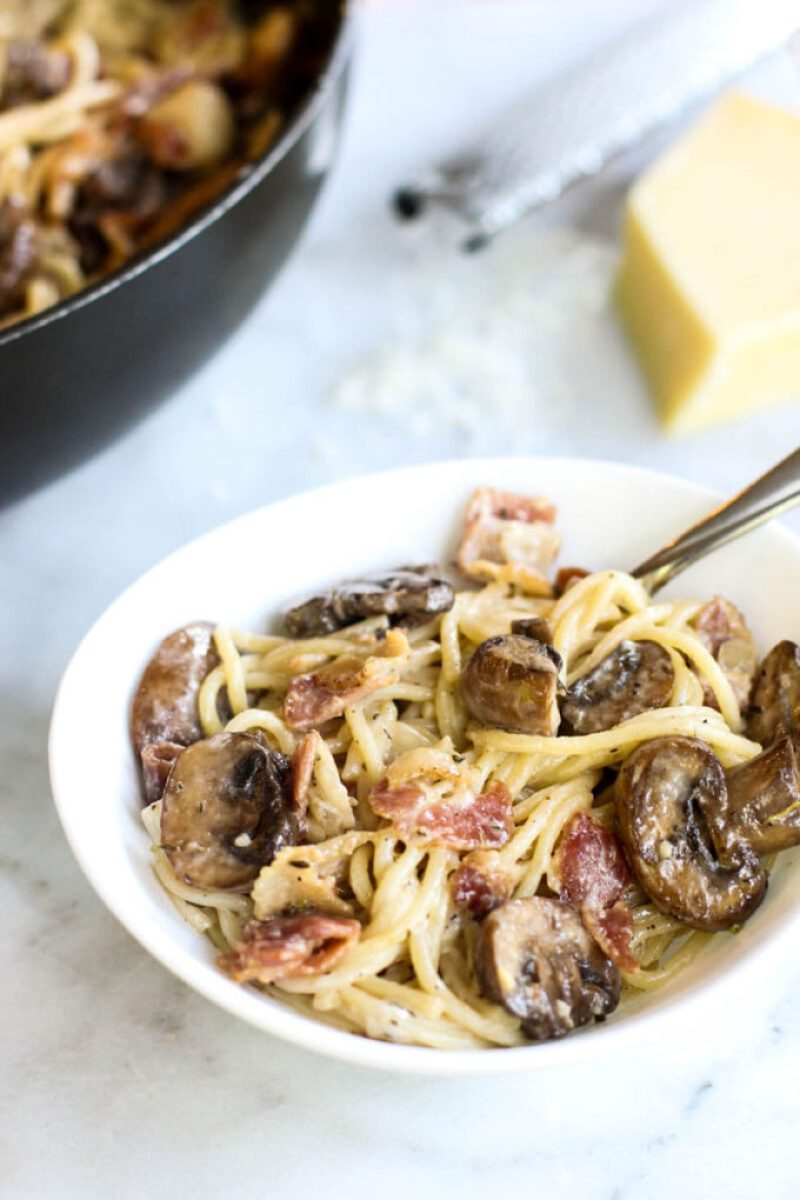 This creamy Mushroom, Bacon, and Parmesan Spaghetti is so easy and flavorful!