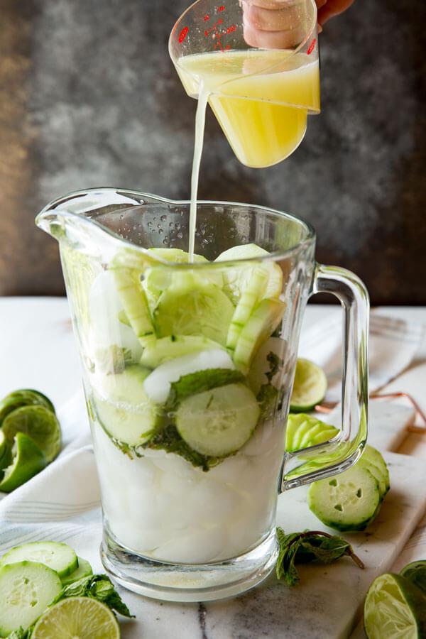 Easy, refreshing, cucumber mint mojito