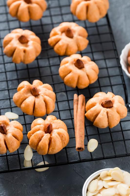 Pumpkin Almond Cookies
