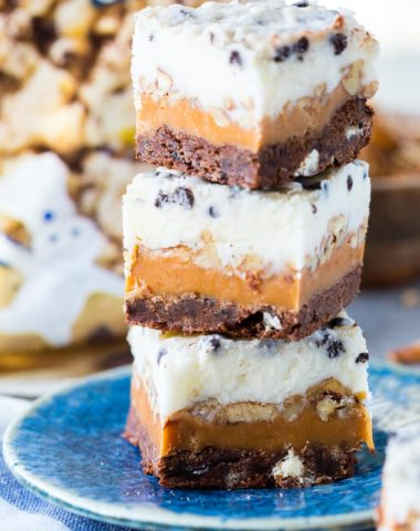 Delicious cookies and cream caramel layer bars