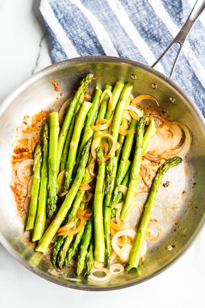 Creamy lemon chicken and asparagus, cook your asparagus and onions