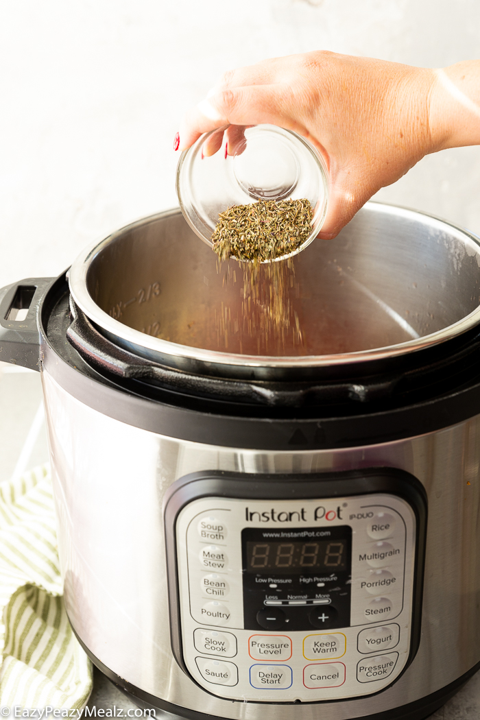 Adding spices to an instant pot