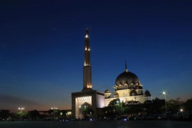 Masjid Putra (Putra Mosque)
