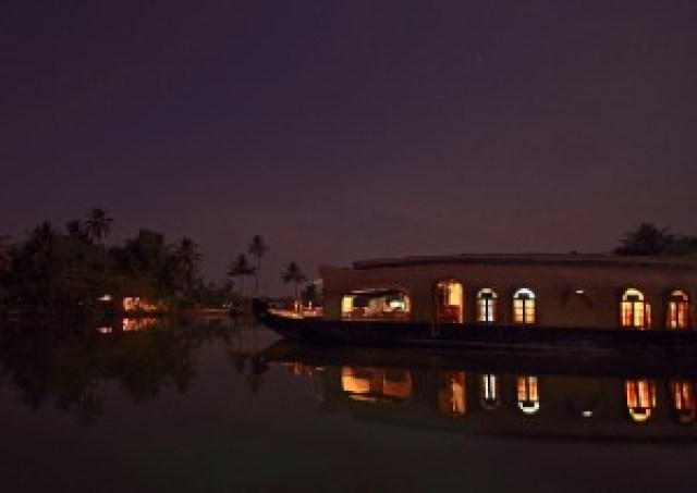 Kettuvallam (Houseboat)