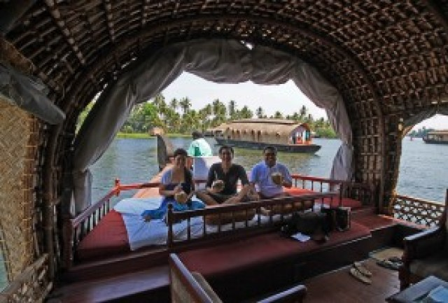 Kettuvallam (Houseboat) Overnight Cruise