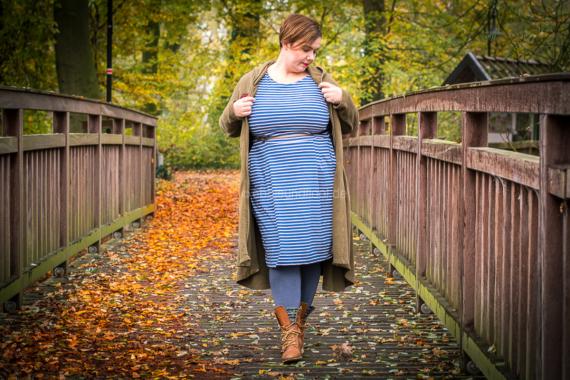 ein tolles Plus Size Kleid im Streifen Look