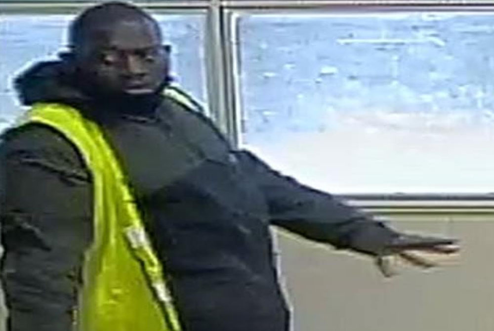Police-have-launched-a-manhunt-for-a-man-who-snatched-a-7-year-old-girl-from-her-mother-in-South-London