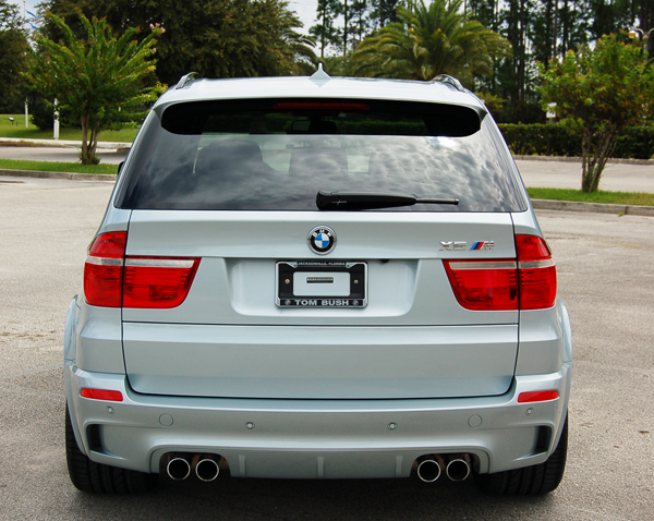 bmw x5 m review 2010 extreme power ebest cars. Black Bedroom Furniture Sets. Home Design Ideas