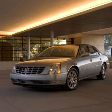 Cadillac DTS Review 2011, Traditional Cadillac Design
