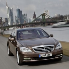 Mercedes-Benz S-Class Saloon Review, Pictures, Prices and Specifications