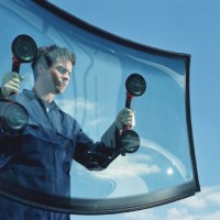 6 Hot Tips for Saving Money on Windscreen Replacement