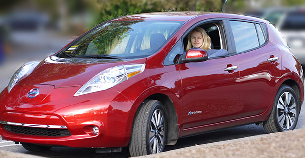 2013-Red-Nissan-Leaf-SL