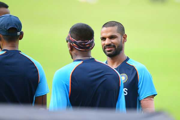 लाइव क्रिकेट स्कोर - श्रीलंका बनाम भारत, पहला वनडे, कोलंबो    क्रिकबज.कॉम