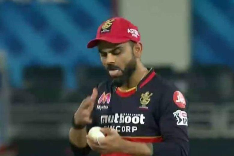 IPL 2020: विराट कोहली गेंद पर लगभग लार लगाते हैं;  सचिन तेंदुलकर इसे 'मिलियन डॉलर रिएक्शन' कहते हैं;