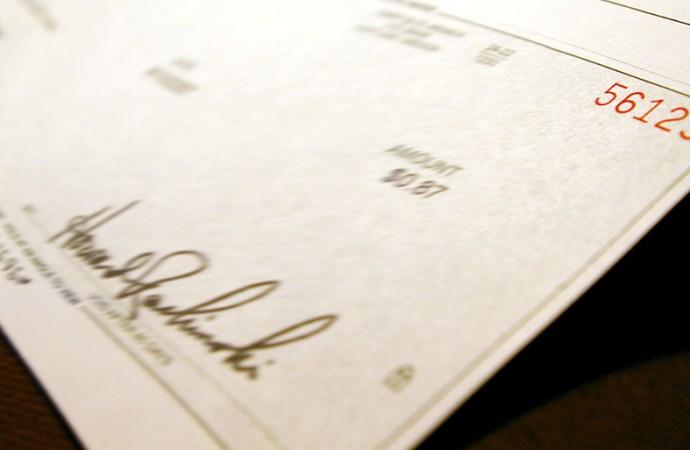 Adiós al cheque bancario