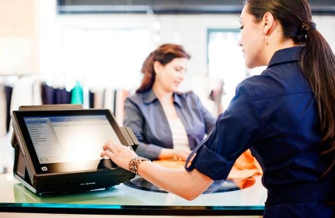 ¿Cómo influye la tecnología en la experiencia del cliente en el punto de venta?