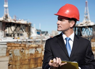 Aumenta la demanda de ingenieros locales con certificaciones internacionales