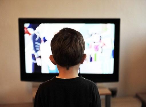 La televisión gratuita disminuyó en un 10% durante el último año